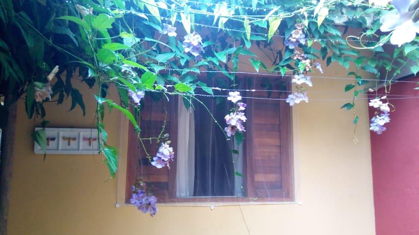 Suite no Itaguá, Piscina, Cozinha, Wi-Fi