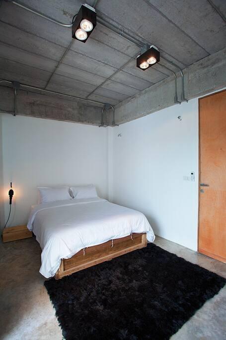 Standard Rooms 5, 6, 9, 10.