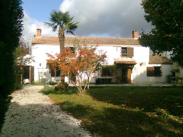 House with Pool in Vendee France - Le Girouard - Dom
