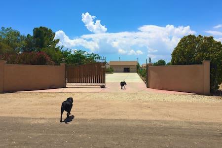 Spacious Private Access Suite in the High Desert - Hesperia
