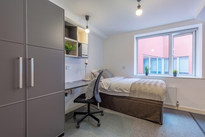 Studio Flat Clerkenwell Farringdon Holborn (202)