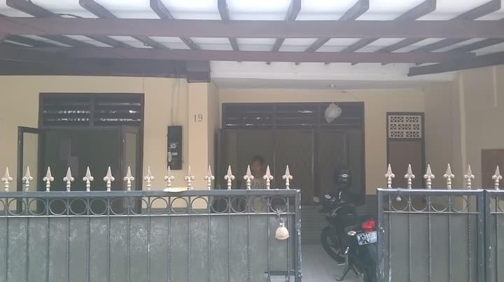 Sewa Rumah Tebet Siap Huni Dkt Psr Tebet, Pancoran