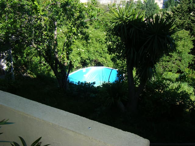 Calme+1000m jardin+piscine privée hors sol - Marseille - Villa