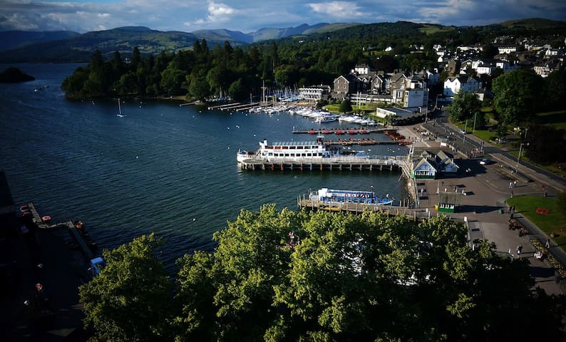 BOWNESS, LOVELY APARTMENT FOR 4 WITH PARKING 😎🤗