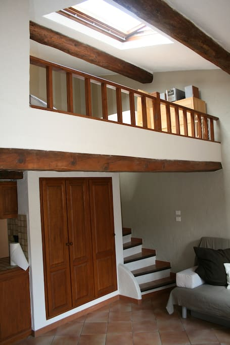 Exposed beams and galleried sleeping area