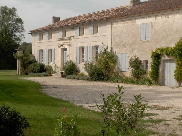 Maison entre Angoulême et Cognac