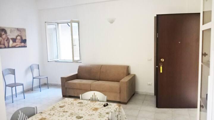 Casa Vacanze in Centro a 50m dal mare 2° piano