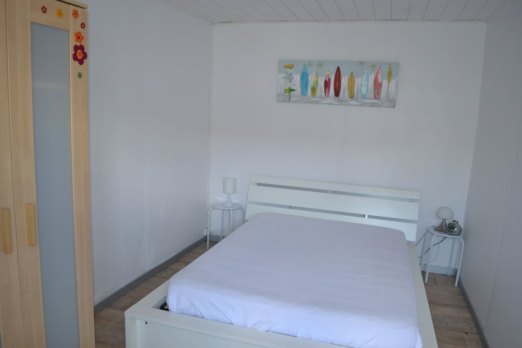 La chambre (lit 140)