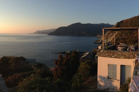 House for holidays in North Corsica - Pino - 一軒家