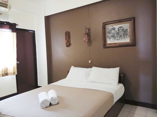 Oldtown Chiangmai Double AC Room ‼️Free pool