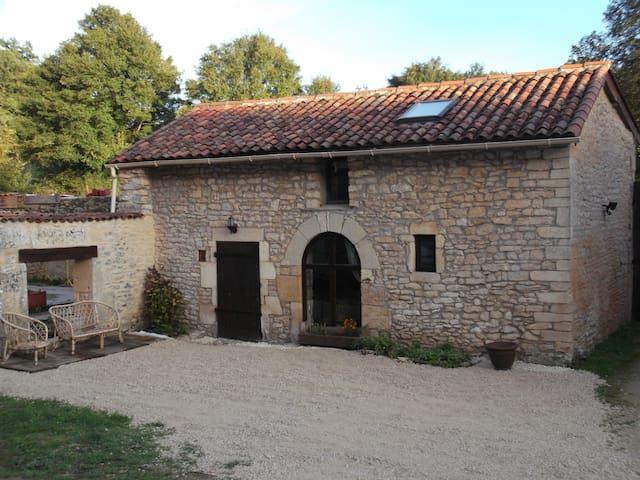 Maison à la campagne - Cellefrouin