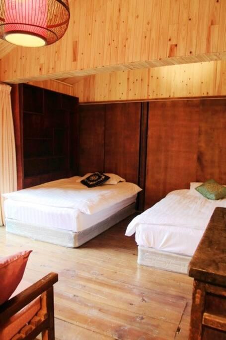 标间1.2的小床2张。
