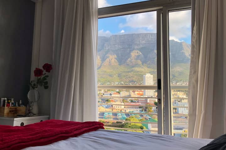 Sunny Cape Town Aprt, Table Mnt Views + 1 Parking