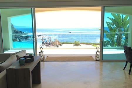 Luxury Condo & Surfer Paradise