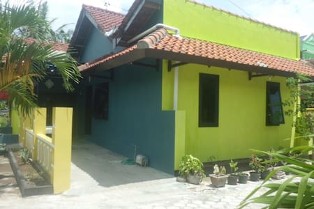 Cevilla Bed and Breakfast - Banyuwangi - Bed & Breakfast