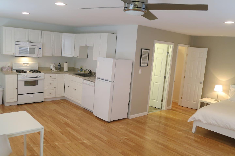 Full Kitchen for all your needs.   Lovely bamboo floors!