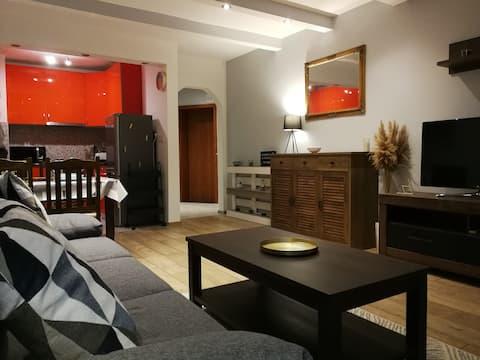 Stylish Apartment Facing Alyosha Hill