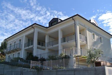 Villa Vitae - Luxury apartments - Castiglione Falletto - Villa