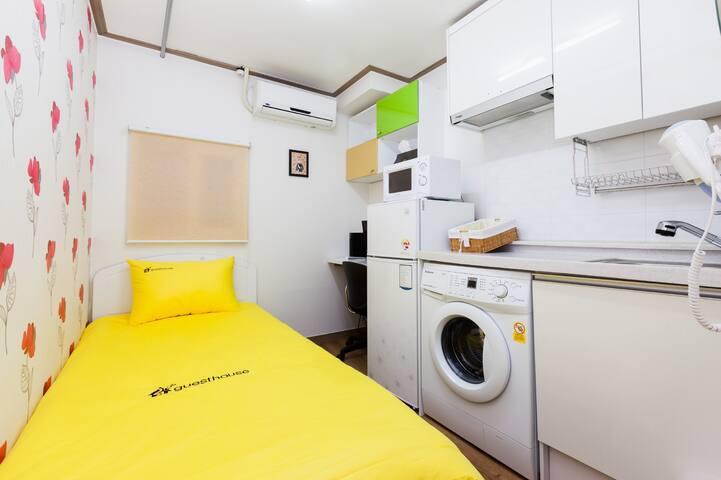 24 Guesthouse edae - single room