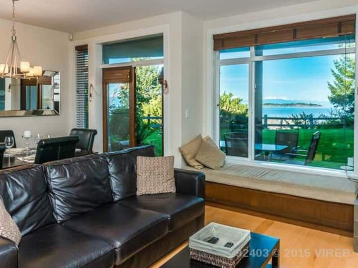 Pacific Tide Beach House , 3 Bedroom, Ocean view