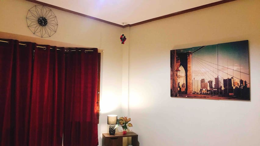 Vintage room can stay for less than 1000pesos