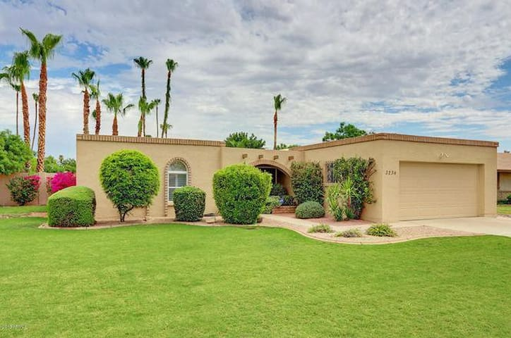 Relax & Unwind Here in this PHX Retreat (1Bdrm)
