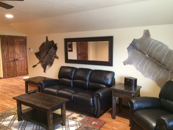 "Spacious ""Lake View"" Suite with Private Lake"