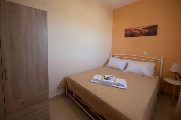 Darmanin Apartment 3 Gyalos Corfu - bedroom 2