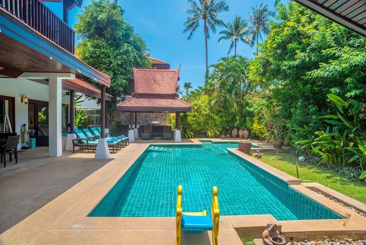 3 Bedroom Villa next to beach, private pool