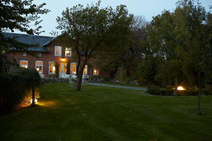 großes Landhaus mit großem Garten - Osterhever - Talo