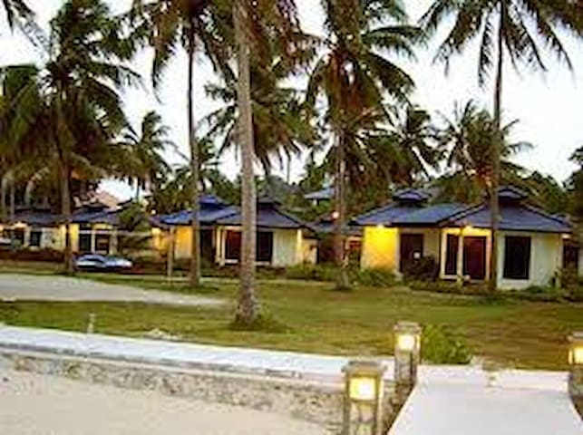 Pantai Bangka (Deluxe Beach Front) - Pangkal Pinang - Chalé