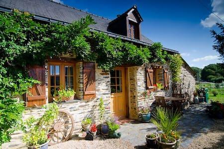 La Teillais Holiday Cottage - Juigné-des-Moutiers