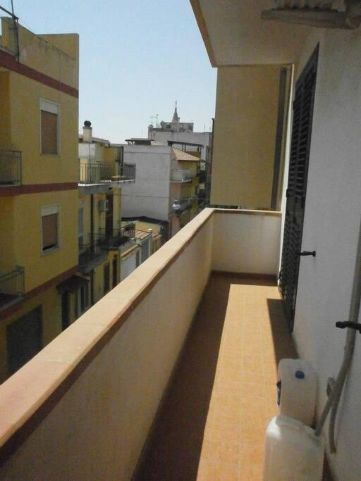 Balcony & roof top terrace