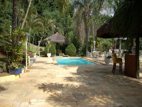 Country house w/ private swiming pool, tenis court