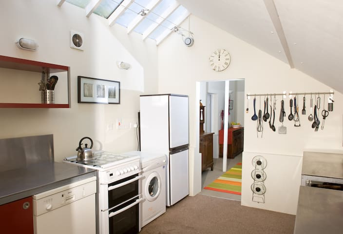 Vine Cottage in the New Forest - Sleeps up to 14 - Brockenhurst - Casa