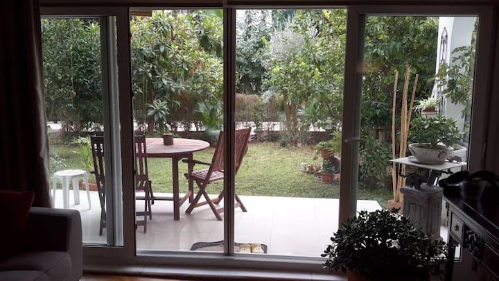 Comfy, Luxury Garden House Close to Beaches