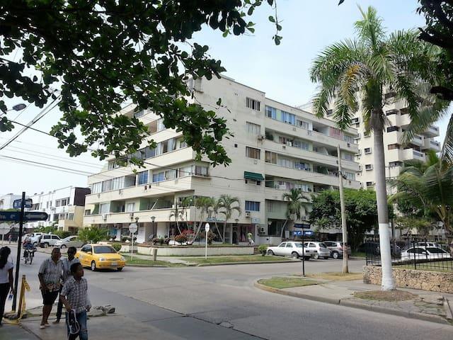 COMPLETAMENTE AMOBLADO. CERCA A LA PLAYA. - Cartagena - Apartment