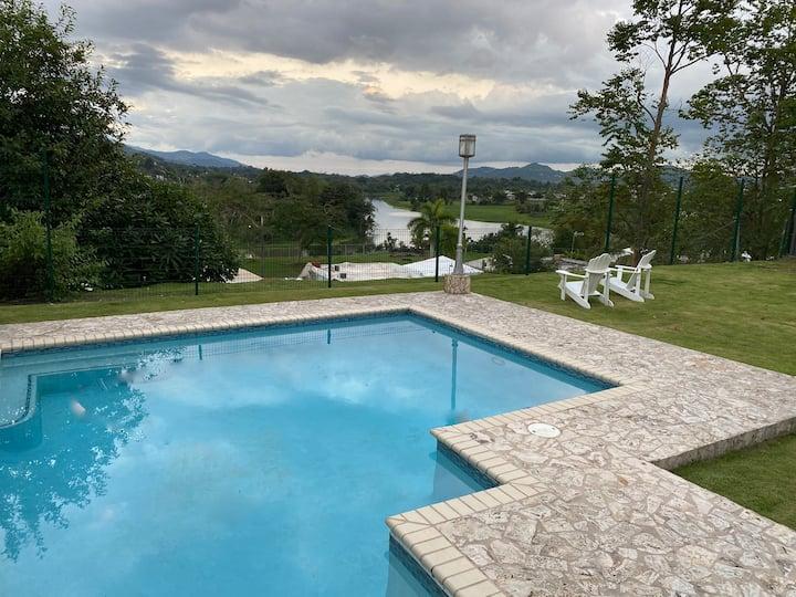 Lake & Mountain View close to San Juan