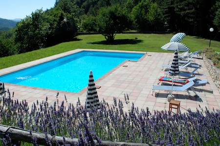 Villa with pool in the Tuscan woods - Marradi - Vila