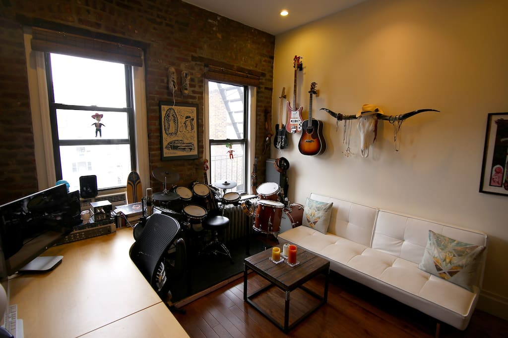 CHARMING 1 BDR IN THE HEART OF SOHO