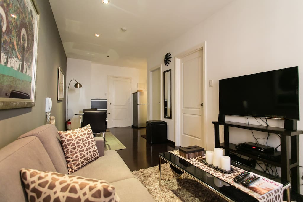 Fully-Furnished one-bedroom unit on the 59th floor with Balcony