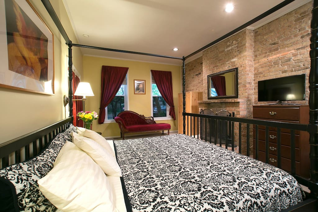 The Wicker Park room with king size bed and private bath