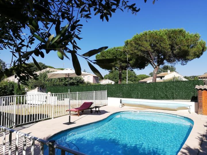 Agréable villa avec jardin/piscine au calme