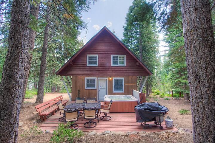 Adorable cabin perfectly located in Carnelian Bay - Carnelian Bay - Cabin
