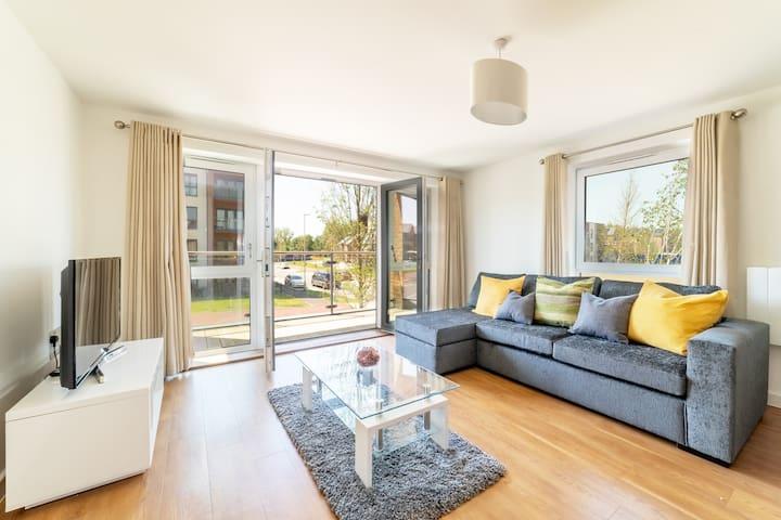 Spacious Two Bedroom Apartment — Milton Keynes