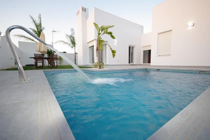 Casa Berta con piscina, chimenea y wifi gratis