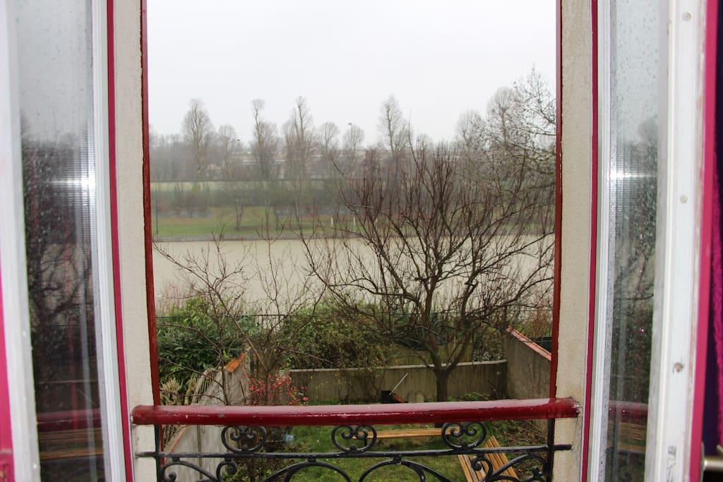 Vue sur la Marne et jardin