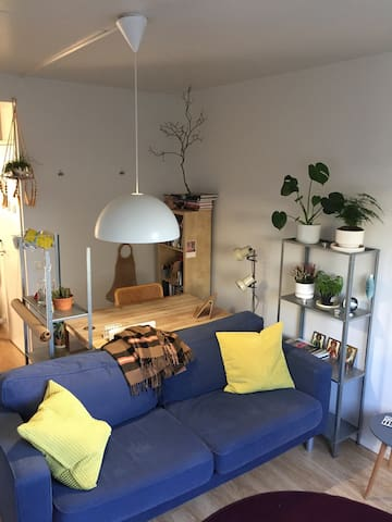 Cosy & Light 1 bed flat with garden - Åbo - Lägenhet