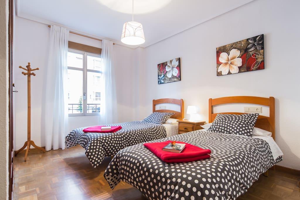 Las camas se pueden juntar formando una gran cama de matrimonio