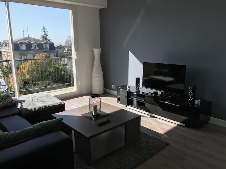 Superbe appartement-proche Bordeaux-pied du tram